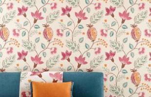 Coloridos e divertidos, os papéis de parede acabam com o ar sério de qualquer ambiente