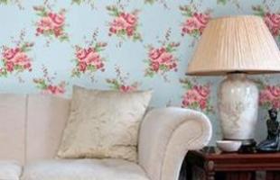 Estampas de flores são as mais usadas. Combinam com vários ambientes da casa