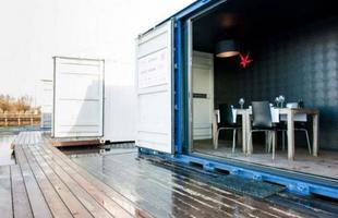 Quartos móveis de luxo são feitos dentro de containers - A principal idéia é ir até o cliente proporcionando comodidade e conforto