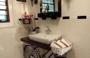 As bicicletas podem decorar qualquer ambiente da casa %u2013 desde o jardim até o banheiro