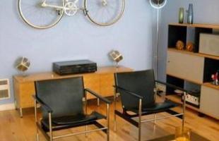 Elas podem decorar qualquer ambiente da casa %u2013 desde o jardim até o banheiro. As bicicletas conferem um ar divertido à decoração