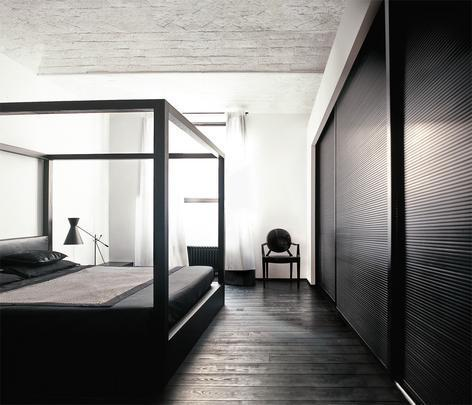 Linhas retas combinam com pisos escuros e deixam o ambiente mais sofisticado