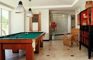 É possível substituir uma parede comum por uma parede de tijolos de vidro em vários lugares da casa
