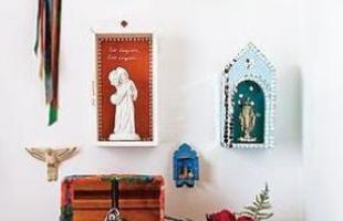 A fé e os símbolos religiosos também inspiram a decoração