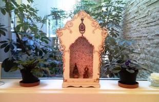 O oratório é o artigo religioso mais presentes nas decorações com essa temática