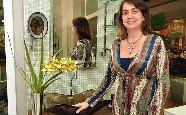 A arquiteta Val�ria Alves diz que a qualidade das r�plicas vendidas atualmente � perfeita