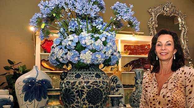 Para a arquiteta Sandra Diniz, evitar itens volumosos ajuda a manter a harmonia do adorno dentro da decora��o