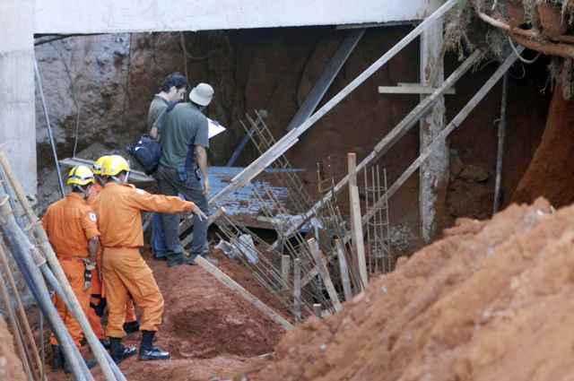 Projeto de lei propõe punição de profissionais por erros em obras públicas
