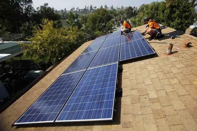 Sistema de aquecimento solar é uma alternativa sustentável e muito econômica, que já pode ser encontrada em inúmeras construções - Divulgação/MARIO ANZUONI