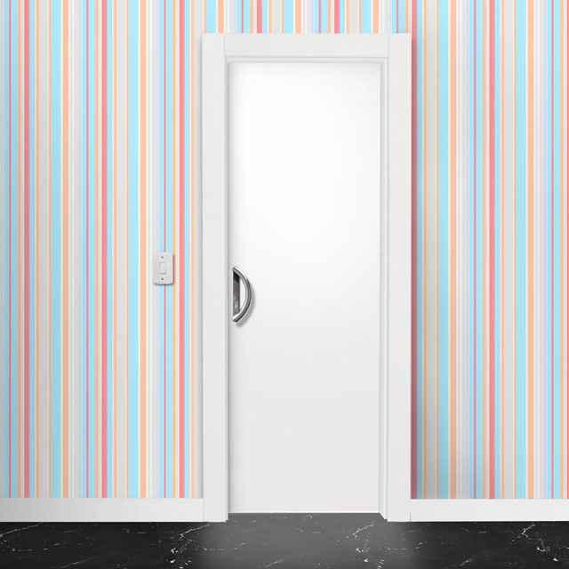 As portas de madeira lisas podem ser consideradas tradicionais, mas para um criativo projeto, ela pode se adequar exatamente ao espaço - Reprodução da internet