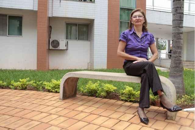 Síndica de condomínio na Asa Sul, Maria Ozilene de Macedo, decidiu contratar diretamente os empregados depois de problemas com a empresa terceirizada - Ana Rayssa/Esp. CB/D.A Press