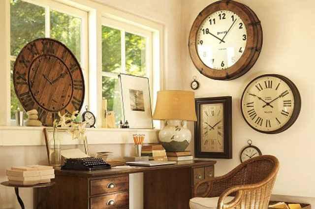 Segundo os organizadores, o destaque da edição é o estande que comercializa relógios antigos de coleção, além de canetas e joias antigas - Reprodução da Internet/ericarocha.me