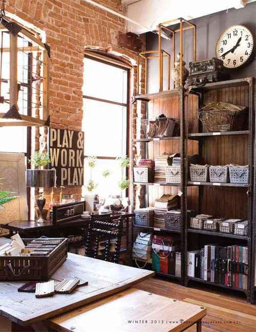 Móveis e materiais rústicos podem ajudar a deixar o espaço mais confortável - Carla Aston/Divulgação