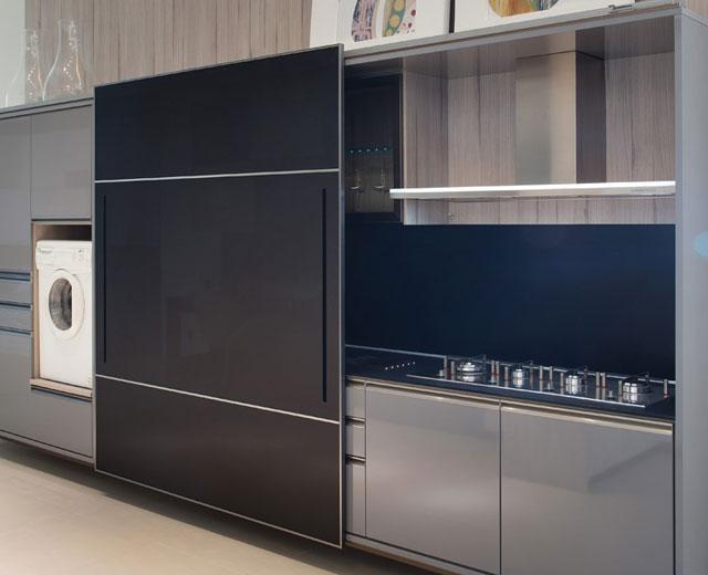 as portas de correr externas, que podem deixar a cozinha totalmente oculta quando o usuário achar necessário  - Exata Comunicação/Divulgação