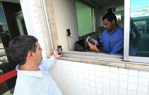Leonardo Mascarenhas, sócio da Lalubema Sistemas, idealizou o aplicativo para facilitar a comunicação entre moradores e o porteiro Leonardo Lopes - Cristina Horta/EM/D.A Press