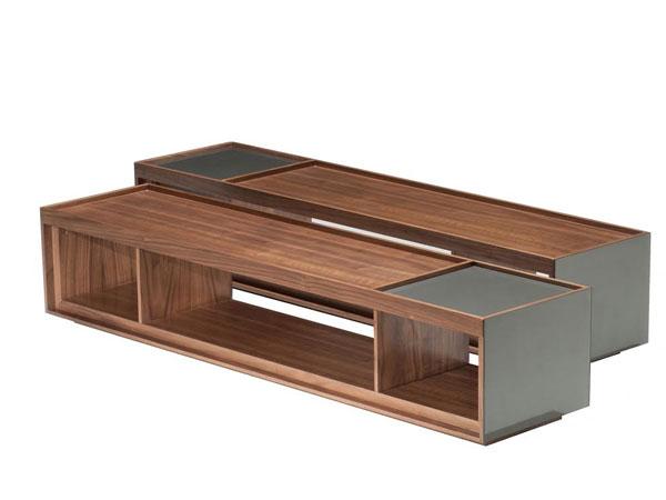 Assinada pelo designer Paulo Sartori, a mesa batizada de Faces, tem estrutura em MDF e acabamento em micro-textura, laca brilho ou lâmina de carvalho ou nogueira. O tampo também pode ser confeccionado com os mesmos materiais da base. - Essenza/Divulgação