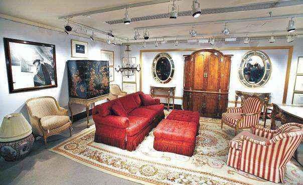 Mobiliário e acessórios criados por um dos nomes mais importantes do design mundial, Frank Lloyd Wright  - Divulgação