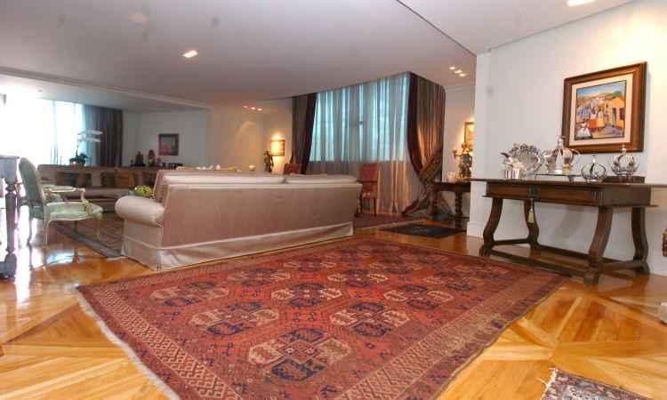 Os tapetes orientais têm enorme tradição e são considerados peças artísticas, compondo bem a decoração - Oppa/Divulgação