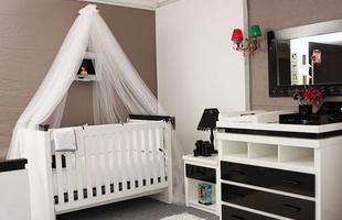 Até o quarto do bebê pode ser decorado com a cor preta, apesar de esse cômodo pedir cores leves