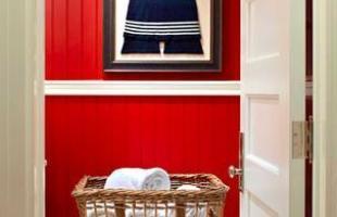 As cores predominantes nesse tipo de decoração são o azul, o branco e o vermelho. O tema também se inspira em elementros retrô