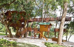 A Casa do Lago é uma criação da firma brasileira Casa na Árvore