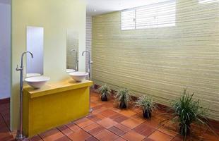 Banheiro Público Masculino/Dagoberto Ferreira