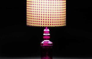 Luminária Bolinhas Rosa design diferenciado com luz que cria um ambiente agradável e aconchegante.