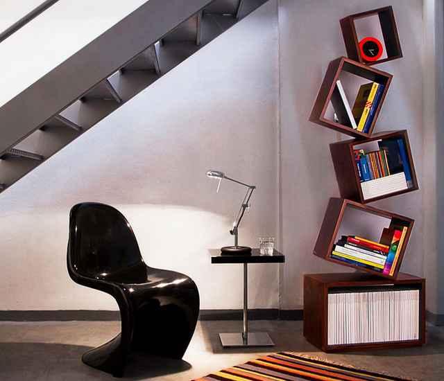 O design inovador economiza espaço e dispensa apoios para os livros - Divulgação