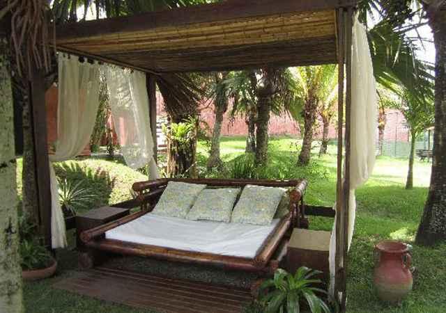 O bambu, além de ser ecologicamente correto, deixa qualquer área mais charmosa - Reprodução/Internet
