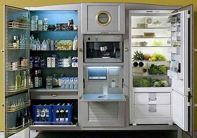 Dentro do eletroméstico há lugar para engradados inteiros de bebidas, deixando o equipamento mais parecido com uma despensa  - Divulgação