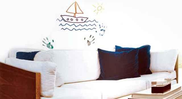 A tinta lavável permite que as crianças rabisquem a parede. Depois, é só limpar - Divulgação/Metalatex