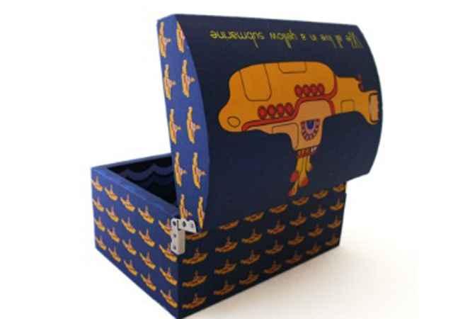 Baú com estampa Yellow Submarine - Repridução