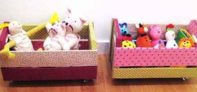 Revestidos de tecido para não machucar as crianças, os caixotes servem para organizar os brinquedos  - Reprodução/Internet