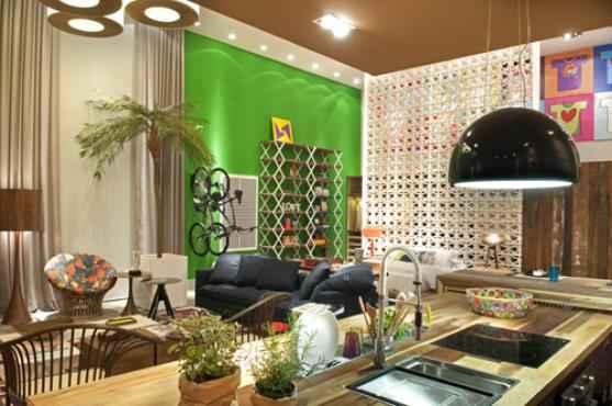 Loft made in Brazil com verde-bandeira Suvinil. Ambiente decorado pela arquiteta Juliana Pippi -