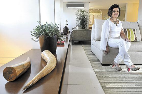 Marli Rodrigues de Lima fugiu do clássico e escolheu um estilo mais contemporâneo para decorar seu amplo e iluminado apartamento -