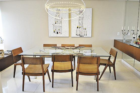 Sem apego a nomes, a casa tem direito a luminária de design e de loja de departamento -