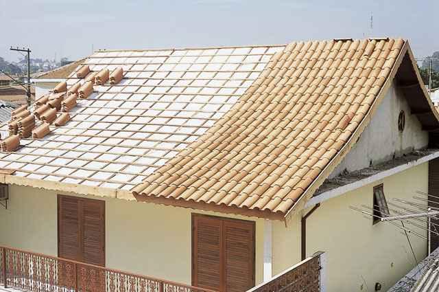 Subcobertura deve ser colocada por baixo das telhas que podem ser de concreto, cerâmica ou fibrocimento - Divulgação/Isover