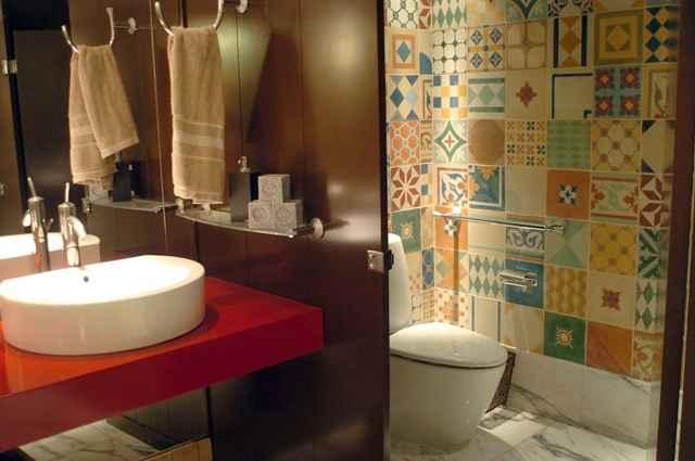 Peças e combinações de ladrilhos hidráulicos podem ser aplicadas como azulejo ou piso em diversos ambientes - Monique Renne/Esp. CB/D.A Press