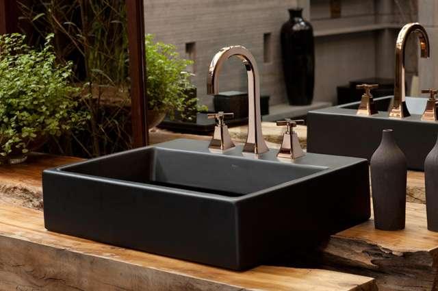 Composição dos banheiros e lavabos ganha contemporaneidade e luxo com acabamento dourado - Divulgação/Deca