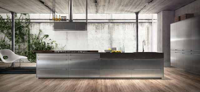 Linha confere modernidade aos ambientes, aliando o toque sofisticado do metal ao aconchego da madeira - Divulgação/Evviva Bertolini
