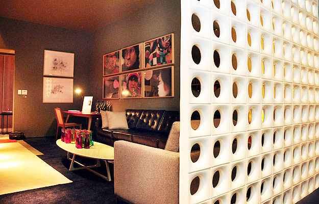 O brasileiro cobogó continua em alta e peça de estilo em decorações de ambientes domésticos e comerciais - Eduardo Almeira/RA Studio