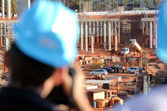 Engenheiros do setor da construção pesada são os que ganham mais no Brasil