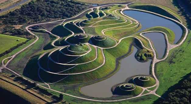 Jardins de não têm como proposta apenas o efeito visual, provocam também a reflexão sobre a natureza de todas as coisas - Divulgação/Charles Jencks