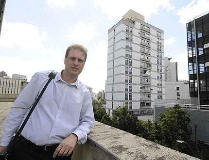 Síndico, Rodrigo Bragança convoca reunião quando há necessidade de limpeza da fachada, evitando depreciação  - Jair Amaral/EM/D.A Press