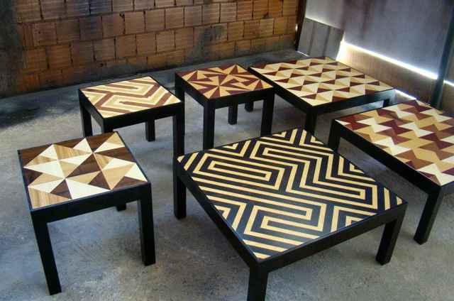 Mesas, bancos e racks usam matéria-prima da Floresta Amazônia como madeiras de jequitibá, pau amarelo, jatobá, ipê, roxinho e andiroba - Muiradesign/Divulgação