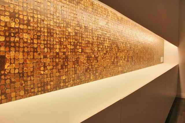 Variedade de cores e texturas de pastilhas de vidro pode proporcionar ambiente versátil e sofisticado - Lucas Fonseca/Divulgacao