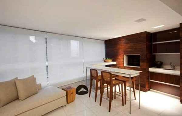 Além da privacidade, as cortinas e persianas favorecem o conforto dentro dos ambientes e contribui para harmonia e composição do espaço - Divulgação/Luís Fábio Rezende