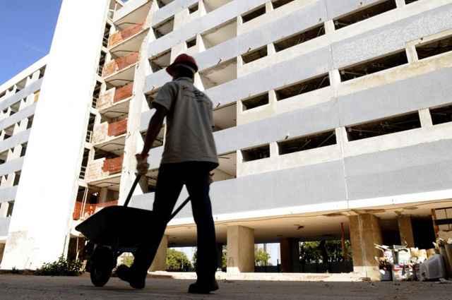 O projeto que tramita na Câmara pode garantir desconto no contrato de aluguel durante o período que durarem as obras  - Carlos Vieira/CB/D.A Press