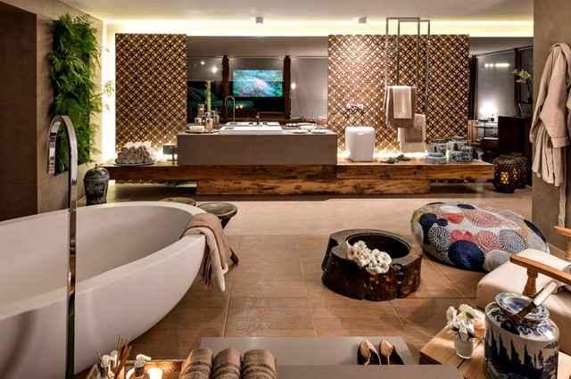 Revestimentos de porcelanato e madeira permitem criar ambientes aconchegantes e confortáveis de forma prática - Divulgação/Mosarte