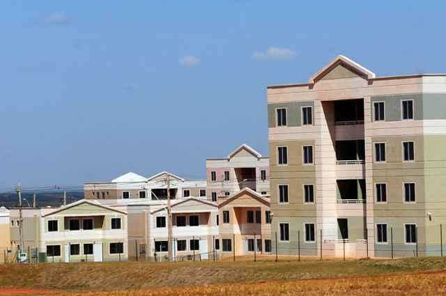 Segundo o governo, será concluída a entrega das casas e apartamentos no Jardins Mangueiral e avançará a entrega do Parque do Riacho e outros - Sedhab/Divulgação